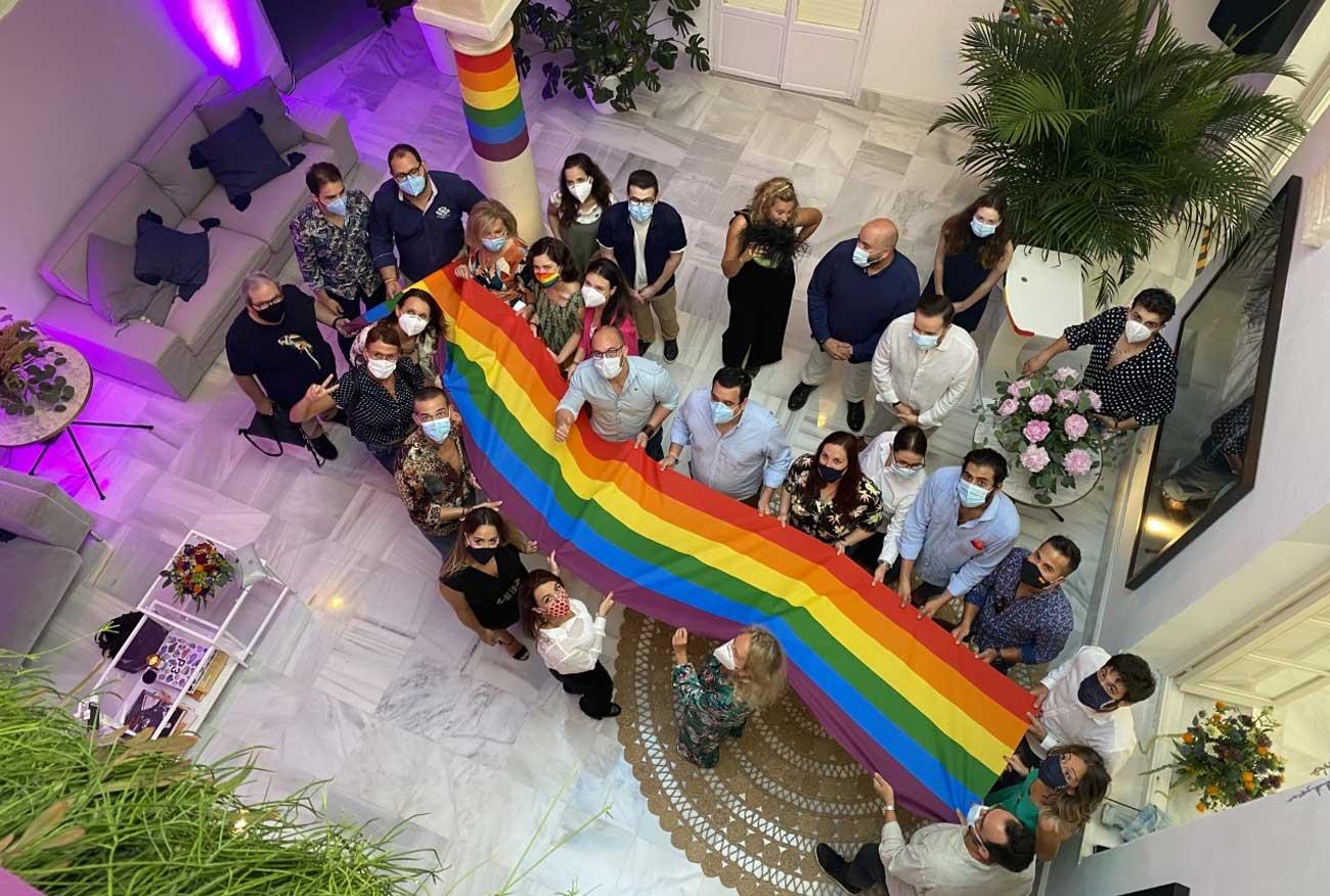 Casa de Indias se vistió de arcoíris para reivindicar que 'El Puerto tiene orgullo'