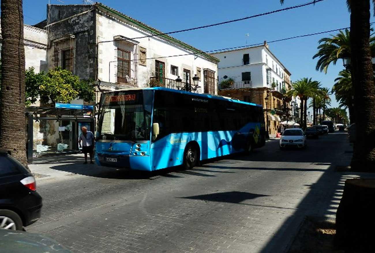 El Pleno rechaza un trámite clave para avanzar en la redacción del pliego del contrato de autobuses