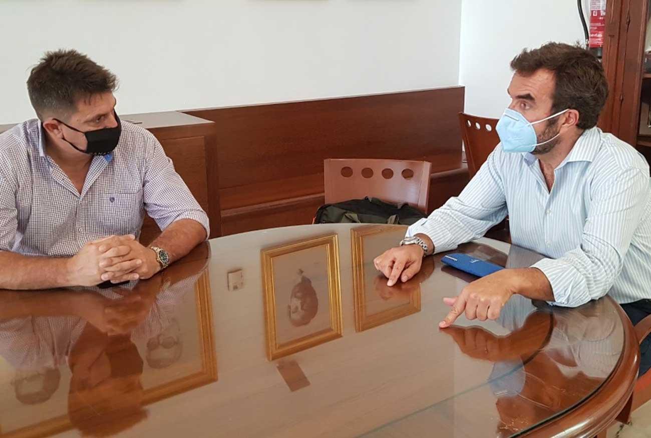 Millán Alegre se reúne con el empresario portuense Llopis