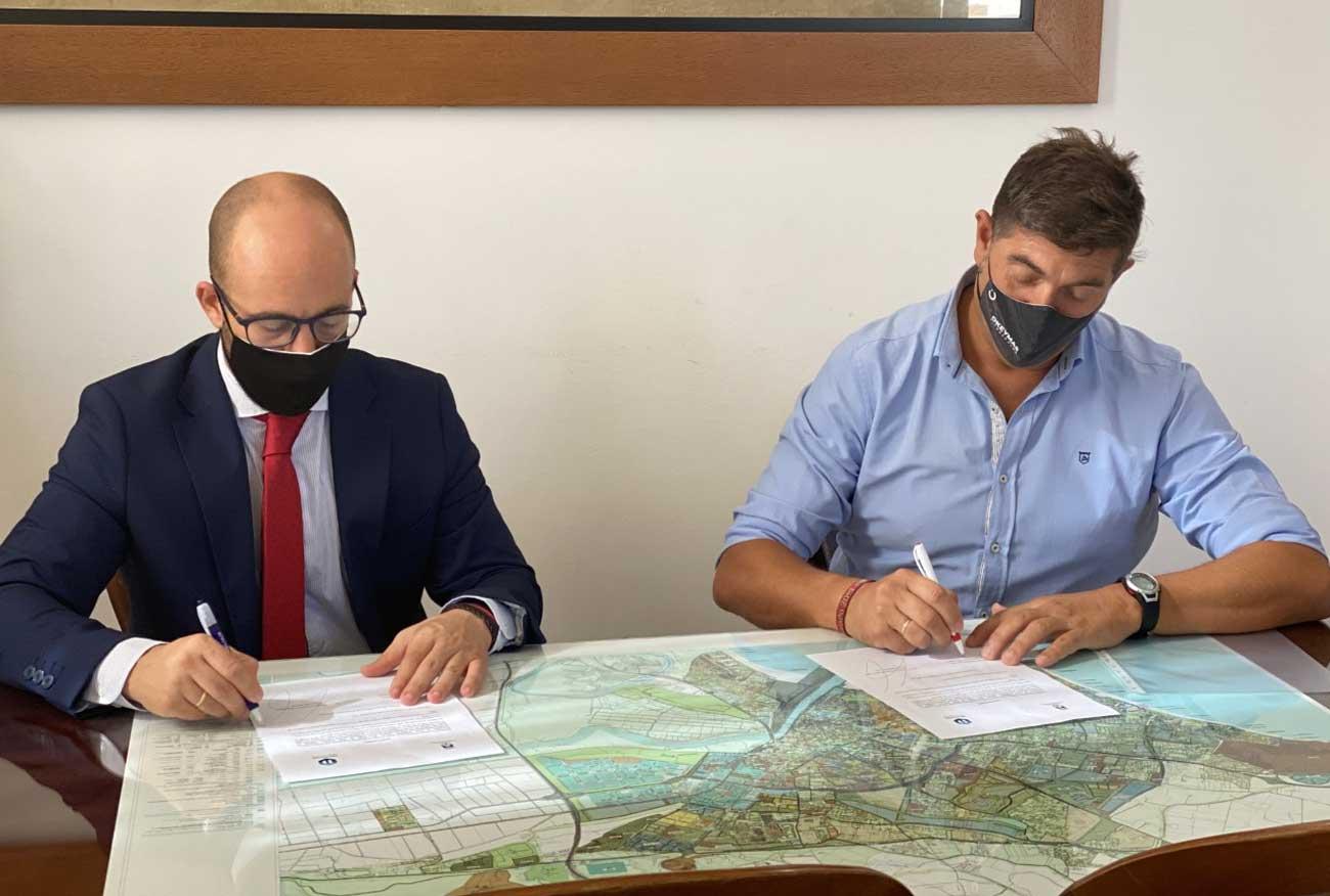 El Ayuntamiento renueva el acuerdo con Deporocio Institute para conceder diez becas a portuenses que realicen el Grado Superior en Acondicionamiento Físico