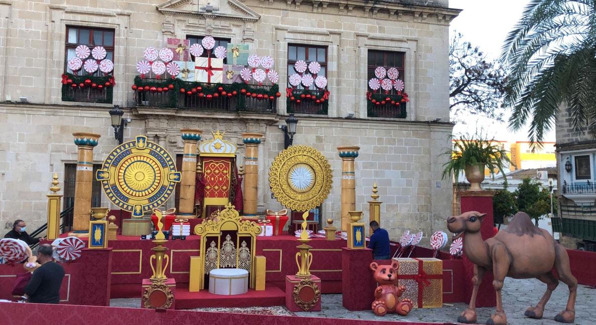 La Plaza del Castillo ya está lista para recibir con honores a Sus Majestades Los Reyes Magos de Oriente en El Puerto