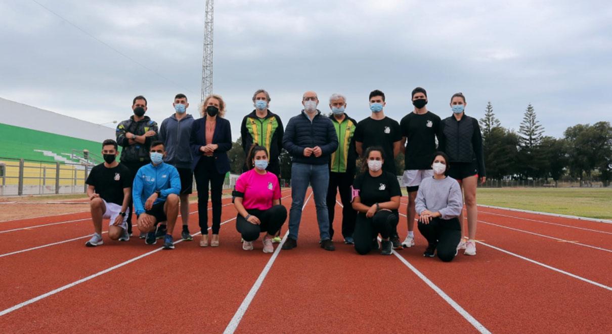 La nueva pista de atletismo de la Ciudad Deportiva ya está operativa para los atletas y opositores portuenses