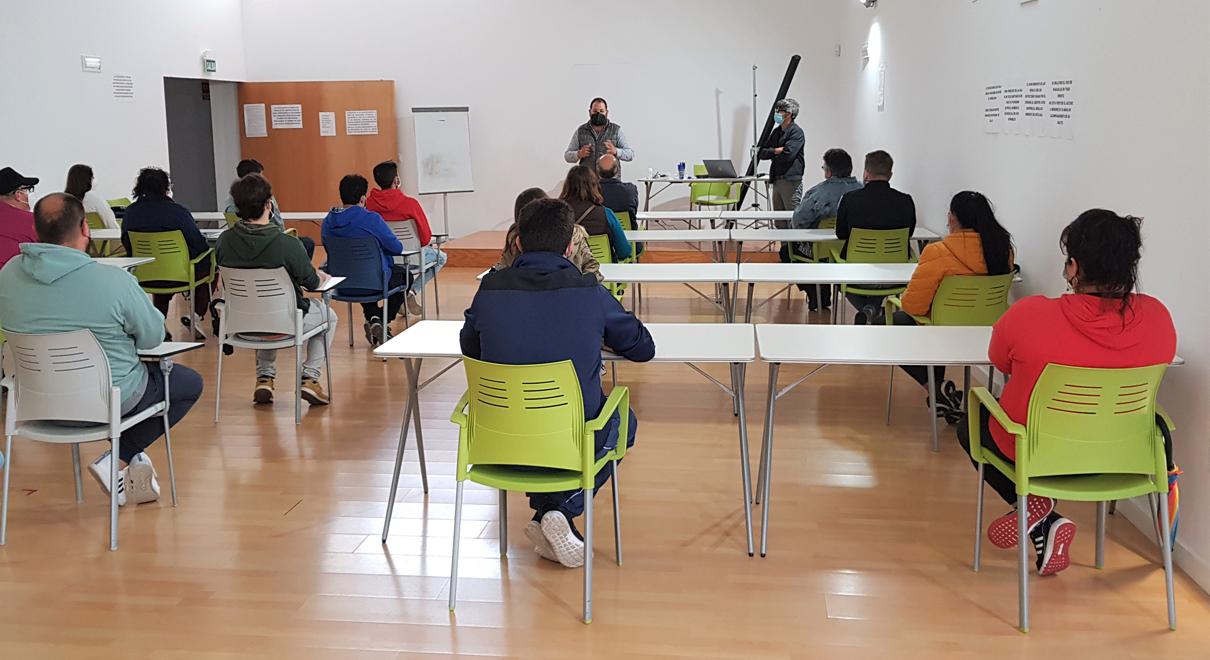 Bello recibe en el Centro Cívico a los alumnos del curso gratuito de manipulador de alimentos, acreditación que mejora su empleabilidad