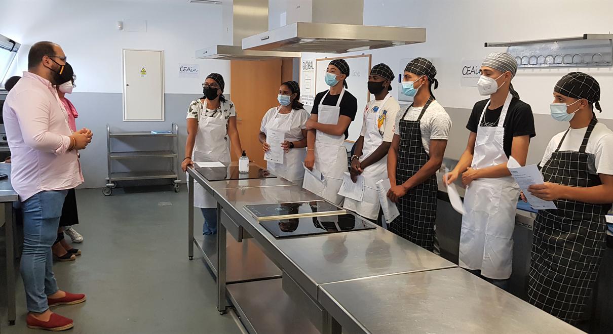 Bello inaugura un nuevo curso de Operaciones Básicas de Cocina, destinado a favorecer la empleabilidad