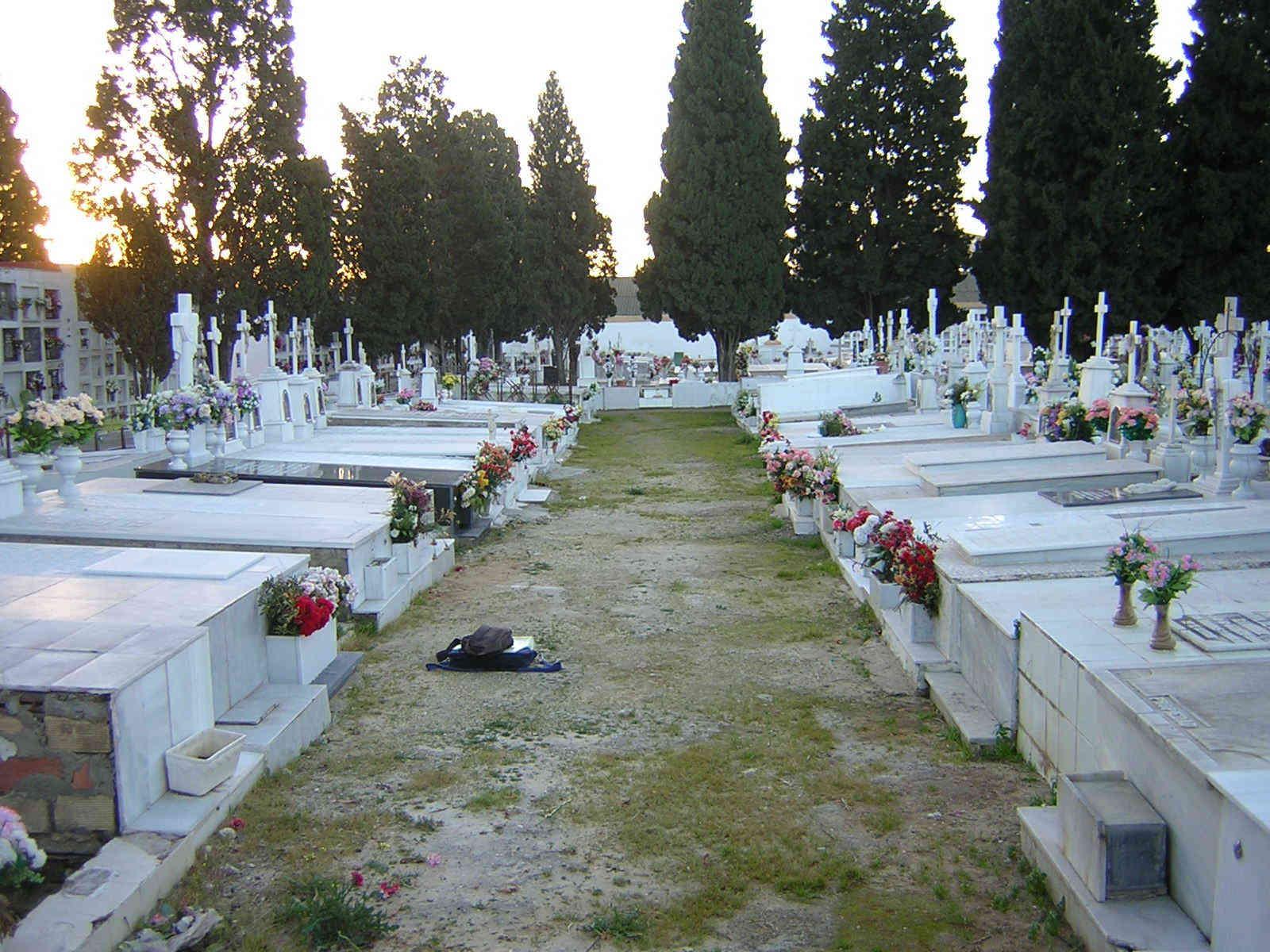 El Ayuntamiento amplía el horario de visita del Cementerio Municipal para el Día de los Difuntos