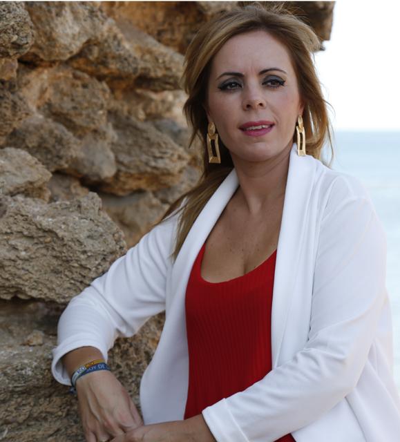 """Flamenco. Nazaret Cala: """"Los cantes de mi tierra. Al compás de la Bahía"""""""